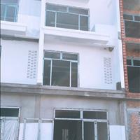 Bán nhà 1 trệt 2 lầu trục chính khu dân cư Hoàng Quân
