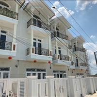 Nhà bán 1 trệt 2 lầu nằm trong khu đô thị 5 sao Five Star, 4 phòng ngủ cho thuê 7 triệu/ tháng