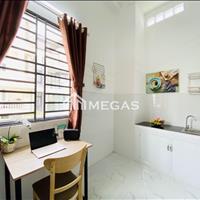 Cho thuê căn hộ dịch vụ quận Bình Thạnh - Gần trường Hutech, có cửa sổ ban công