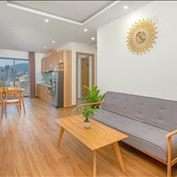 Cho thuê căn hộ cao cấp 2 PN, 2 WC - Ban công view biển - 1 phút đến biển - Tầng cao - Chính chủ