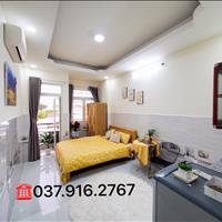 Cho thuê căn hộ dịch vụ view sân bay - Tân Bình
