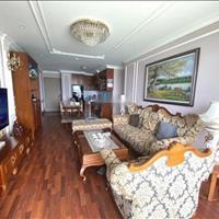 Bán căn hộ 3 phòng ngủ, tặng nội thất, nhìn thẳng Vịnh Hạ Long, hướng Đông Nam, ở ngay
