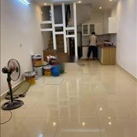 Bán nhà gần ngã tư Sở, Thanh Xuân, 35m2, 5 tầng, 3 phòng ngủ, giá 2.8 tỷ