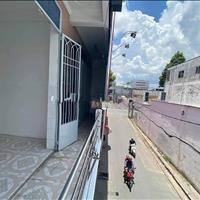 Cho thuê nhà đường Trần Bình Trọng, nhà 1 lầu, trống suốt, cách Trần Hưng Đạo 30m, giá 17 tr/tháng