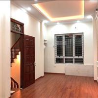 Cho thuê nhà 36m2 x 5 tầng phố Cự Lộc, ô tô cách 15m, giá 11 triệu