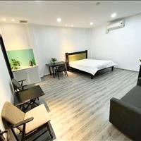 Căn hộ 28m2 sàn gỗ, mặt tiền Phan Xích Long, giá chỉ 5.9 triệu, mới xây khai trương