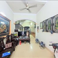 Bán gấp nhà Nam Dư, 47m2, mặt ngõ, kinh doanh được, ô tô đỗ cửa, giá 66 tr/m2