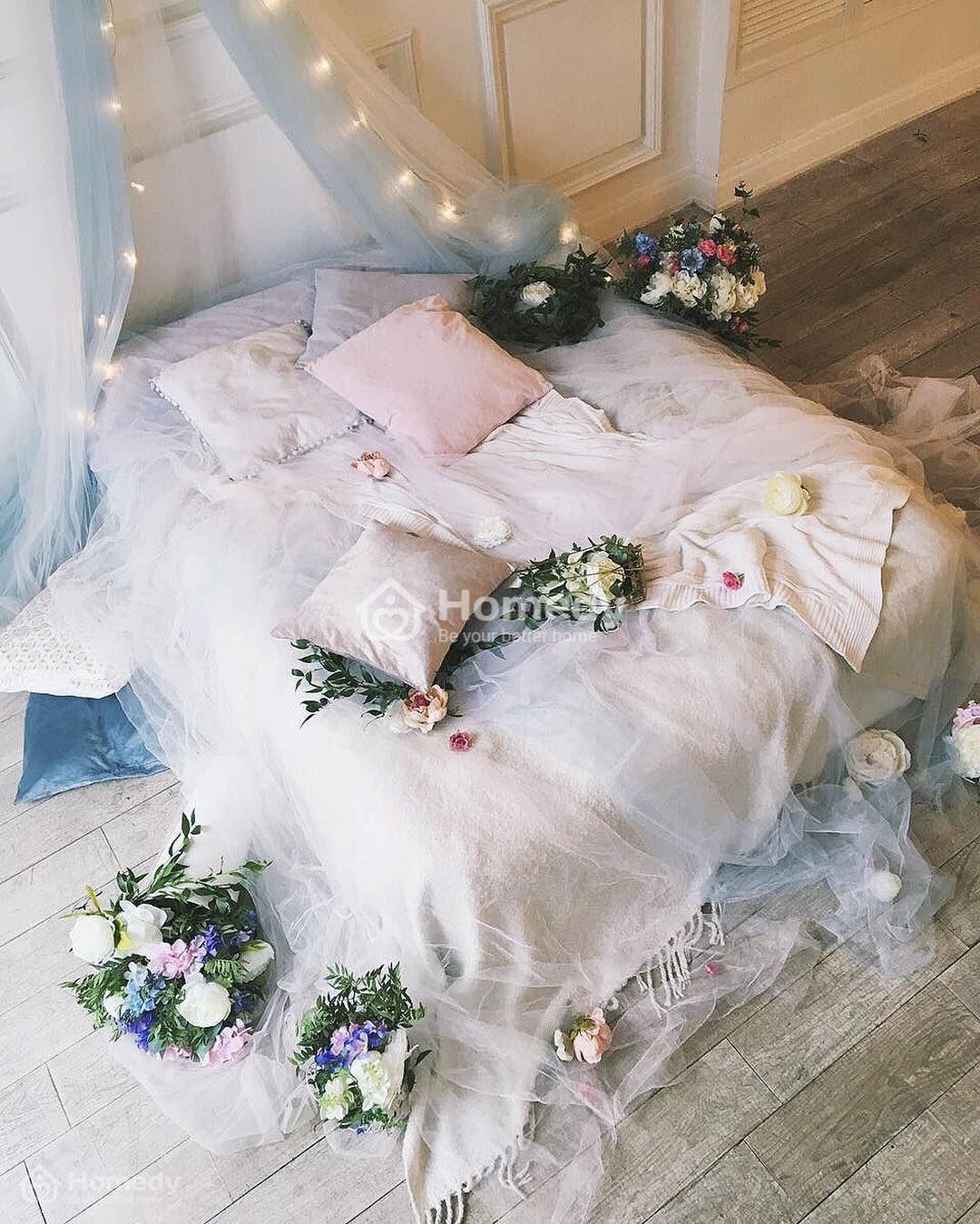 Trang trí phòng ngủ bằng hoa
