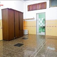 Phòng 30m2, có tủ quần áo - kệ bếp, gần Hàng Xanh, 92 Chu Văn An