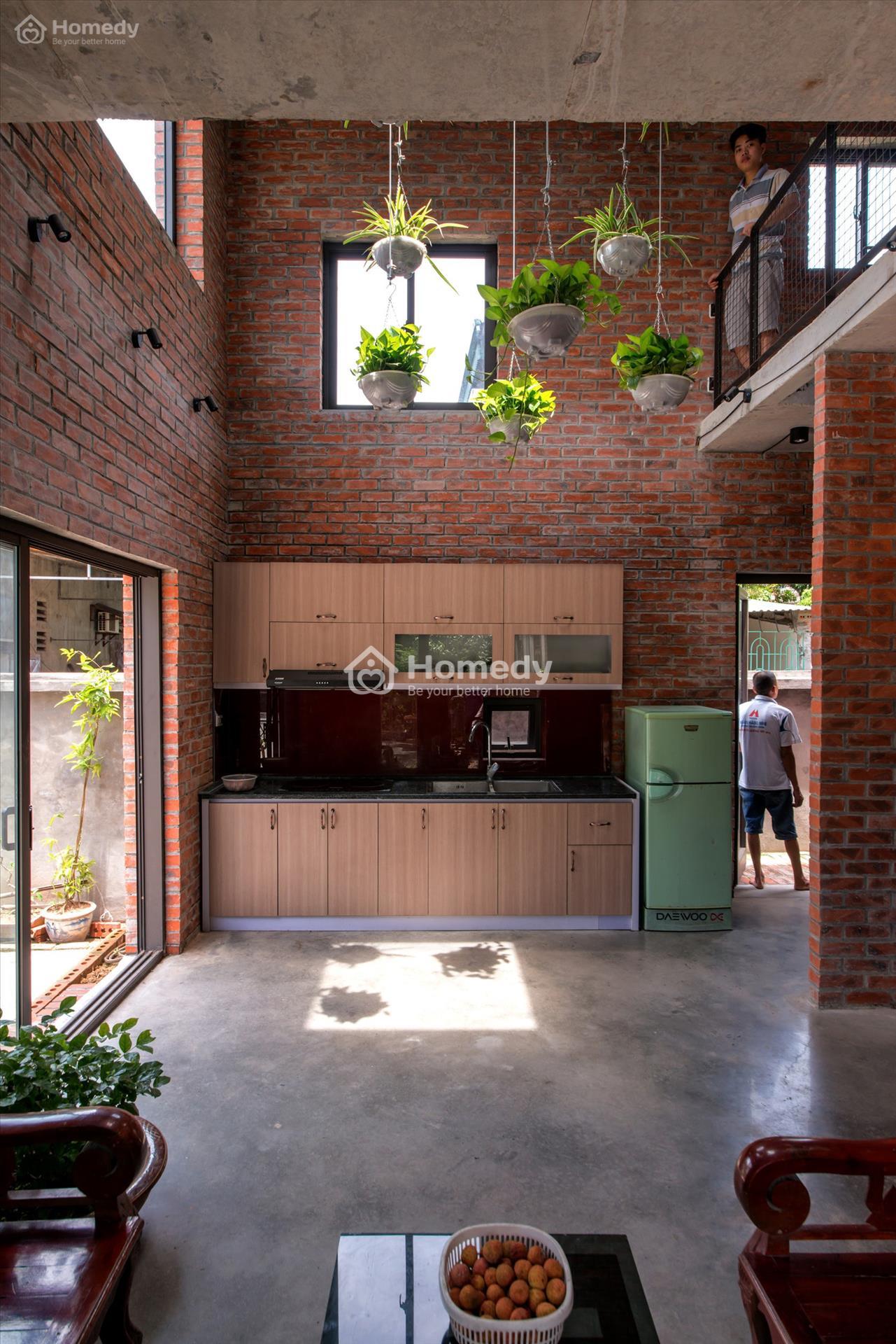 Nhà xây gạch mộc đẹp trang trí không gian phòng bếp