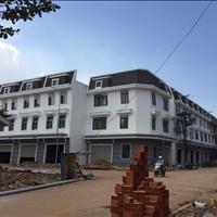 Nhà 1 trệt 2 lầu diện tích sử dụng 217m2 mặt tiền chợ Tân Uyên