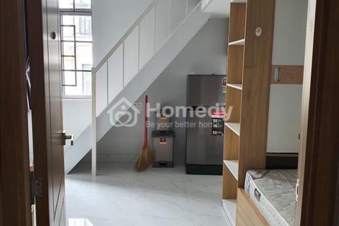 Cho thuê căn hộ mini 2pn Q4 - MỚI 100%- có gác lớn, 2 giường