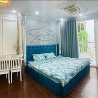 Cho thuê căn hộ dịch vụ có ban công riêng full nội thất, gần chợ Bến Thành quận 1