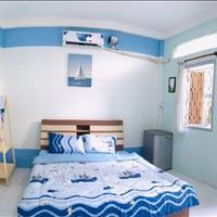 Cho thuê căn hộ dịch vụ Quận 1 - Ban công và cửa sổ thông thoáng - Giá 6.5 triệu