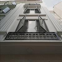 Bán nhà Cầu Giấy, nhà mới đẹp ở ngay - 33m2, 5 tầng - nở hậu - khu vực VIP - giá 2,6 tỷ