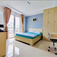 Khai trương căn hộ trung tâm Quận 1 - Ngay CV Lê Văn Tám có ban công, cửa sổ thoáng mát