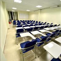 Cần cho thuê phòng học theo giờ hoặc theo buổi, bàn ghế mới đẹp đầy đủ, nhà có thang máy