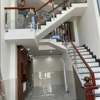 Bán nhà vừa mới xây xong gần đại học Văn Lang, Gò Vấp, nhà 4 phòng ngủ, bao sang tên sổ hồng