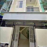 Chú chín về quê bán gấp nhà đúc gần chợ, 38m2 đường Tân Hương, quận Tân Phú