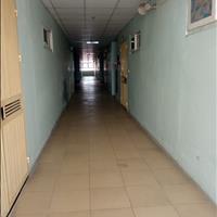 Cho thuê căn hộ 2PN thoáng mát, nội thất cơ bản ở 18 Tam Trinh, cho gia đình giá 6.9 triệu/tháng