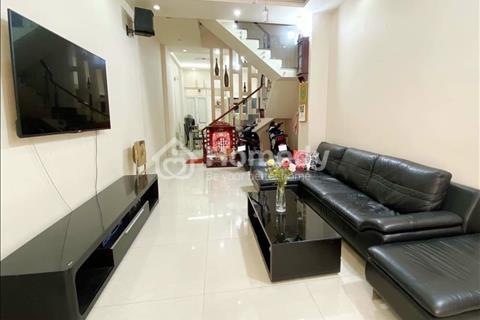 Chủ cần tiền nên bán gấp nhà Triệu Quang Phục, quận 5, sổ hồng riêng 60m2, 1,35 tỷ, nhà đẹp LH Nam