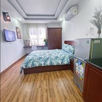 Chính chủ cho thuê căn hộ mới 100% - full nội thất - sàn gỗ sang trọng - giá ưu đãi