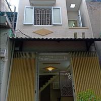Nhà tôi nằm ngay chợ Long Thượng 70m2, 1 lầu 2 phòng ngủ đang cho thuê 8tr cần bán, đủ chủ quyền