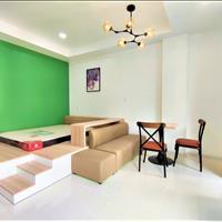 Cho thuê căn hộ studio có ban công , chỉ tính tiền điện và xe còn lại free ngay cộng hoà Q T. Bình