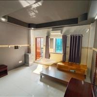 Căn hộ full nội thất, có phòng bếp riêng, ban công, thang máy giá siêu rẻ đường Bạch Đằng