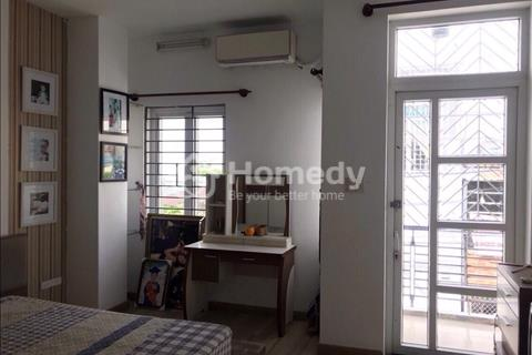 Cho thuê nhà nguyên căn HXH Thạnh Lộc 17 nhà 1 trệt 1 lầu DT 4,5x13,5m, nhà 3 phòng ngủ, 3wc