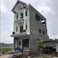 Bán nhanh căn nhà 1 trệt 2 lầu ngay KCN Vsip diện tích sàn 300m giá 2,2 tỷ.