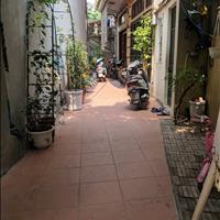 Cho thuê nhà 27m2, Thanh Xuân, sân rộng, yên tĩnh, an ninh tốt, 2.8 triệu