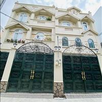 Biệt thự tân cổ điển, góc 2 mặt tiền 6,9 x 13,5m, 3 lầu, áp mái, sân thượng, full nội thất
