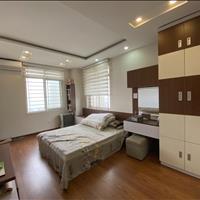 GĐ cần bán căn hộ mặt đường Võ Chí Công 73.2m2, view Hồ Tây, 2 phòng ngủ mới, giá rẻ 2.35 tỷ
