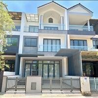 Cho thuê nhà phố liên kế đầy đủ nội thất hướng tây bắc giá tốt - chỉ 20 triệu/tháng