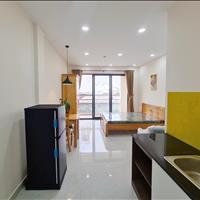 Căn hộ quận 10, 35m² 1 phòng ngủ ngay cầu vượt 3/2 full nội thất có ban công lớn