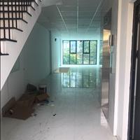 Cho thuê văn phòng gần Hồ Gươm Plaza 70m2, 2 mặt tiền, ô tô đỗ thoải mái giá 10.5 triệu/tháng