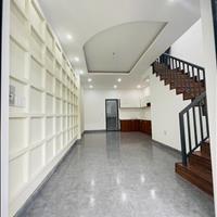 Nhà có sân đậu xe ô tô lộ 8m phường An Thới Bình Thuỷ