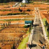 Cần bán lô đất mặt tiền Nguyễn Du, gần ga Đà Lạt, giá 950 triệu/nền, sổ hồng riêng, bao sang tên