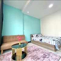 Cho thuê căn hộ dịch vụ 1 phòng ngủ, của sổ lớn, nội thất cao cấp - quận Phú Nhuận