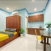 Cho thuê căn hộ dịch vụ phòng mới xây - full nội thất gỗ tự nhiên mới 100% - Quận 10