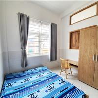 Phòng trọ rộng 32m2 có gác có sẵn nội thất giá rẻ quận 7 - cửa sổ lớn, nhiều ánh sáng