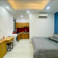 Căn hộ full nội thất, cửa sổ thoáng mát giờ giấc tự do Phú Nhuận, phố Phan Xích Long