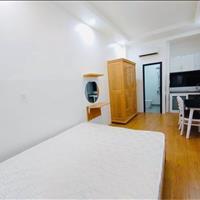 Cho thuê căn hộ Quận 4 giá rẻ, hình thật 100% có nội thất, ánh sáng - chỉ 4.2 - 4.6 triệu/tháng