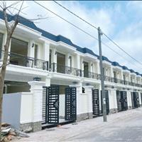 Bán nhà phố gần khu dân cư hiện hữu cách chợ Bình Chánh 4km