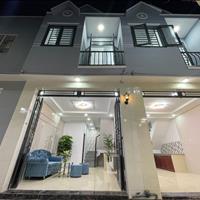Nhà đẹp giá rẻ 1 trệt 1 lầu 2 phòng ngủ full nội thất ngay chợ giá đầy đủ 790 Triệu (giá 100%)