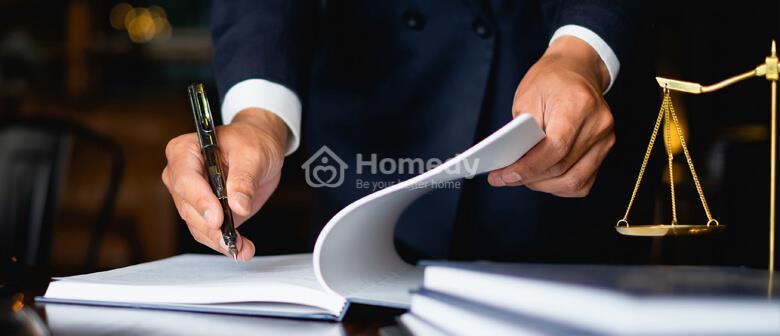 Bên bán nhà phải chịu thuế thu nhập cá nhân theo quy định của pháp luật