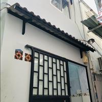 Nhà nhỏ ngay trung tâm Sài Gòn hướng Đông Nam tiện cho vợ chồng trẻ hoặc cho thuê