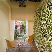 Khách sạn phố Yên Phụ doanh thu khủng, sân thượng view Hồ Tây, đầy đủ giấy phép xây dựng
