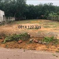 Bán lô đất gần chợ gần trường học, đất có sổ sẵn, giá rẻ